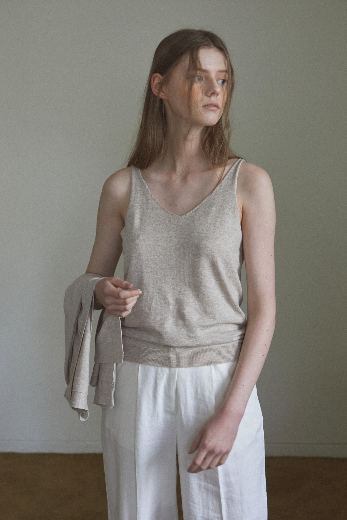 Smooth land linen sleeveless top_Sand Beige