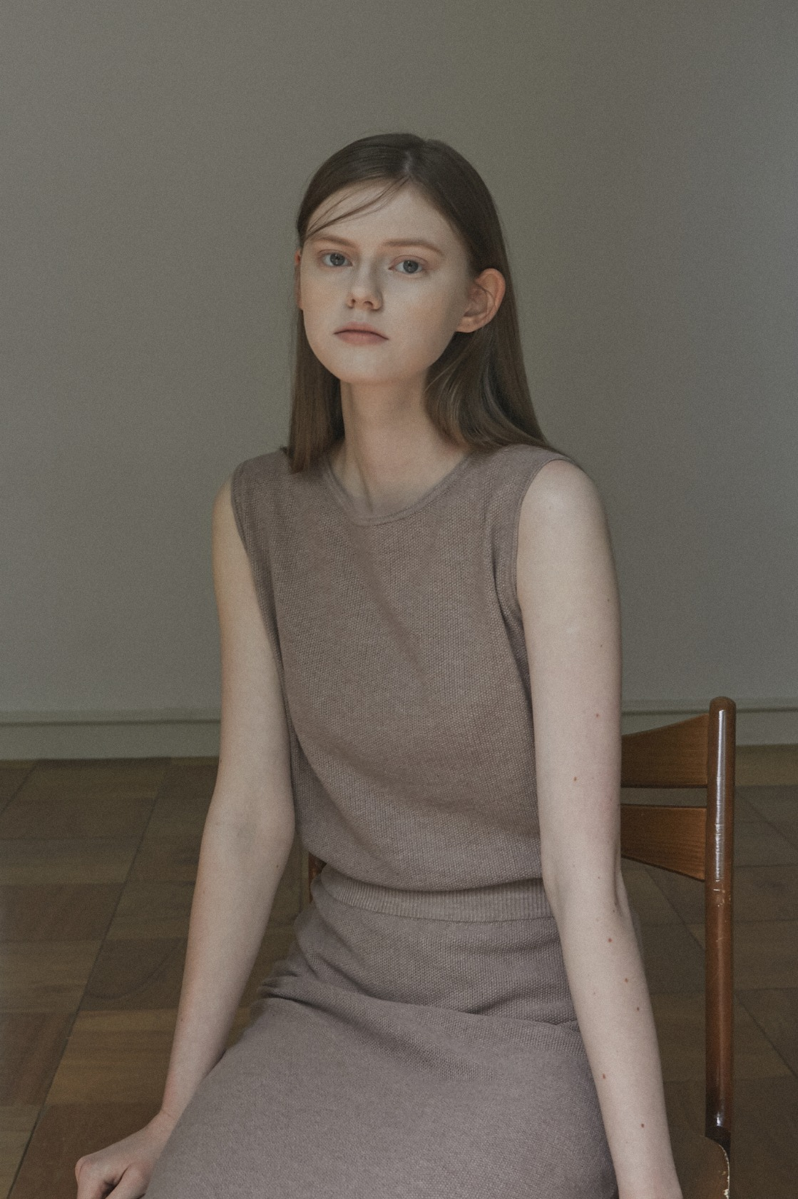 Glorious Moon linen sleeveless top_Soft Brown